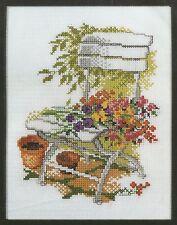 Stickpackung Stickbild sticken 15x20 Stuhl mit Blumen Flowers Garten gärtnern