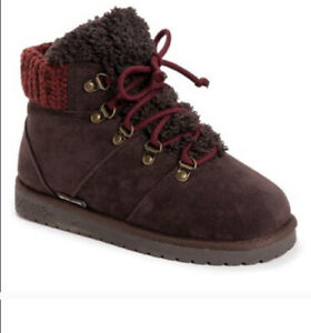 Women's MUK LUKS Harmony Lace Up Bootie Dark Brown Faux Suede Sz 8