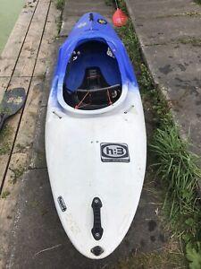 pyranha kayak H3 245