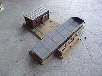 Vintage HO Scale Bachmann Trackside Dump Structure LOOK