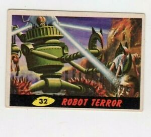 1962 Original Topps Mars Attacks Card #32 ROBOT TERROR