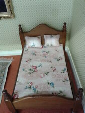 Reutter Dolls House Miniatures 1:12th Scale Wooden Bed & Pillows 18290