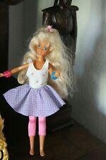 Barbie Puppe  1 mit Kleid