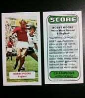 ENGLAND - WEST HAM UNITED - BOBBY MOORE - Score UK football trade card