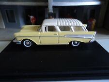 Oxford  1957  CHEVROLET  NOMAD  Cream and White  1/87   HO diecast car GM  NEW