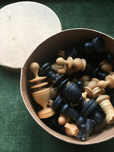 vintage REGENCY CHESS figures, complete, stilted,  king aprox 8,3 cm
