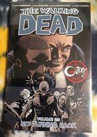 THE WALKING DEAD Vol 25 TPB - Image Comics / Ocutcast #1 - New