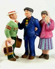 """Dept. 56 Christmas In The City 2003 """"Off To College!"""" Accessory 59413"""