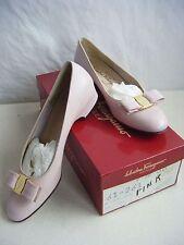 SALVATORE FERRAGAMO Vtg Pink Classic Bows Low Calf Heels in box sz 7.5 SS