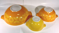 "SET 3 VTG PYREX ""DAISY"" SUNFLOWER ORANGE YELLOW CENDERELLA NESTING MIXING BOWLS"