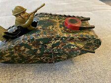 Blechspielzeug Panzer mit Blechsoldat, Tank, 1.WK