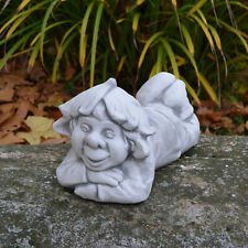 """Massive Steinfigur Gnom """"Faulpelz"""" klein Troll Wichtel aus Steinguss, frostfest"""