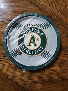 Oakland Athletics Baseball-Round Dinner Plates Party Accessory,  Paper Plates