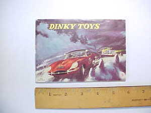 1962 DINKY TOYS COLOR CATALOG 32 pages Race cars, sports cars, military, planes