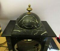 Ornement pour pendule borne en marbre noir (Ref:. P 217)