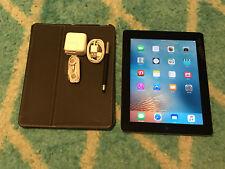 NEAR MINT Apple iPad 3rd Gen. 64GB, Wi-Fi, 9.7in Black CASE & ACCESSORIES BUNDLE
