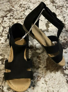 NWT toddler Girl Old Navy Faux Suade Sandals Size 9 black