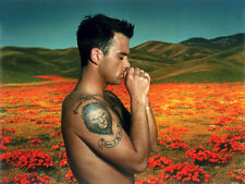 Robbie Williams UNSIGNED photo - H4122 - English singer, songwriter and actor