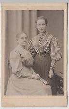 (F442+) Original Kabinettfoto, zwei Damen (Mutter & Tochter), Atelier Martin Her