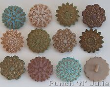 ANTIQUE LACE - Flowers Garden Vintage Victorian Style Dress It Up Craft Buttons