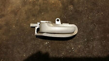 PEUGEOT 107 05-14 N/S FRONT NEARSIDE PASSENGER SIDE INTERIOR DOOR HANDLE