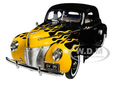 1940 FORD DELUXE BLACK/YELLOW FLAMES TIMELESS CLASSICS 1:18 BY MOTORMAX 73108
