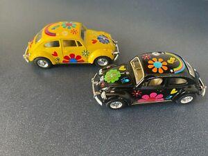 Kinsmart 1:32 Scale 1967 Volkswagen Classic Beetle - Flower Power Black & Yellow