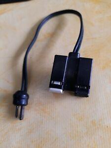Lautsprecher Verteiler 1 Stecker /2 Buchsen Gebraucht