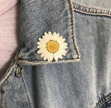 Daisy Brooch, Real Flower Pin, Daisy Gift, Spring Accessories, Gift For her