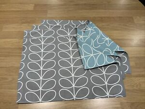 4  Reversible placemats Orla Kiely Cool Ziggurat And Silver Stem Fabric