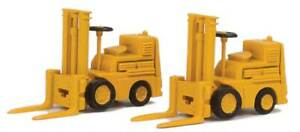 Walthers SceneMaster HO Scale Forklifts/Warehouse Vehicles (2-Pack) Yellow