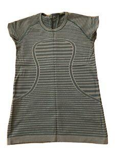 ladies lululemon short sleeve top Green size 10
