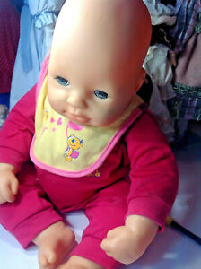 ZAPF CHOU CHOU DOLL 19 IN Red Yellow stained  Bib Speaks Spanish And English DT6