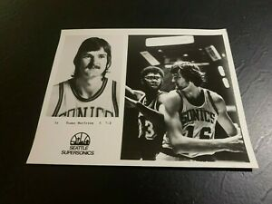 1975 Seattle Supersonics Tommy Burleson Basketball Team Issue NC State Wolfpack