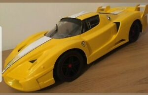 FERRARI FXX REMOTE CONTROL CAR RECHARGEABLE 20KM/H SPEED LARGE 1:10 *BOX Damaged