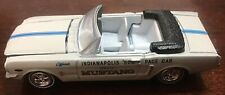 JOHNNY LIGHTNING - 1:64 - 1965 Mustang Indy Pace Car