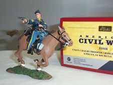BRITAINS 31018 UNION CAVALRY TROOPER CHARGING WITH PISTOL MOUNTED TOY SOLDIER