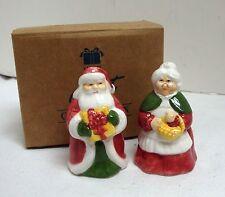 NEW 1995 AVON MR & MRS SANTA CLAUS SALT & PEPPER SHAKER SET IN BOX NIB