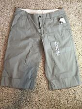 NWT NEW Women's Hurley Green Cropped Capri's Pants Size 9  Kd6