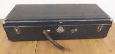 Empty Vintage Instruments Blassinstrumentenkofer with Purple Velvet