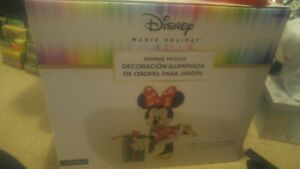 Disney Magic Holiday Minnie Mouse Lighted Tinsel Yard Sculpture 2.3'