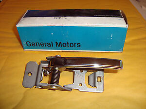 Handle Right Corvette NOS Genuine GM 20347098 Buick Pont Chev Olds Cadillac F1