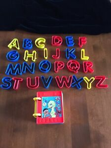 SESAME STREET PLAY DOH PLASTIC BOOK COUNTING SHAPES NUMBERS CLAY MOLDS  ALPHABET