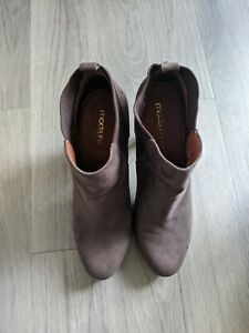 Moda In Pelle Boots / Heels, Size 39 / 6