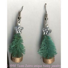 Funky Vintage SISAL CHRISTMAS TREE EARRINGS-Country Winter Novelty Charm Jewelry