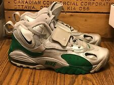 MEN'S NIKE AIR MAX SPEED 525225-001 SIZE 8.5. SILVER AND GREEN