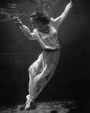 Vintage 8x10 Photo 1939 Fashion Model Underwater Florida Beautiful Toni Frissell
