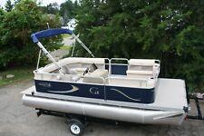 New 18 Ft cruise pontoon boat