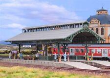 SH Vollmer 43545 Bahnsteighalle mit LED-Beleuchtung, Funktionsbausatz
