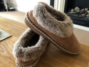 LOVELY FAUX SHEEPSKIN & FUR SLIPPERS SIZE 5/6 (38-39) GREAT CONDITION